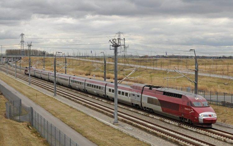 11. скоростной поезд HSL 1