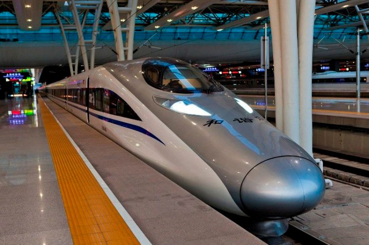 4. скоростной поезд  CRH380A