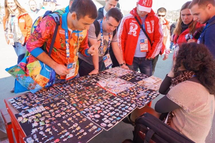 Olympic pins in Sochi2014-21