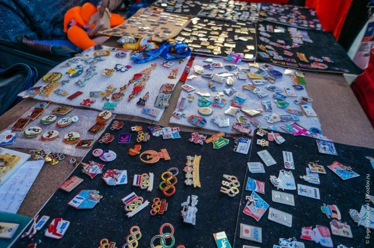 Olympic pins in Sochi2014-15