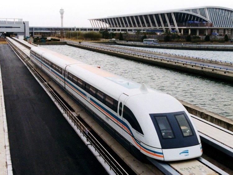 3. скоростной поезд Shanghai Maglev Train