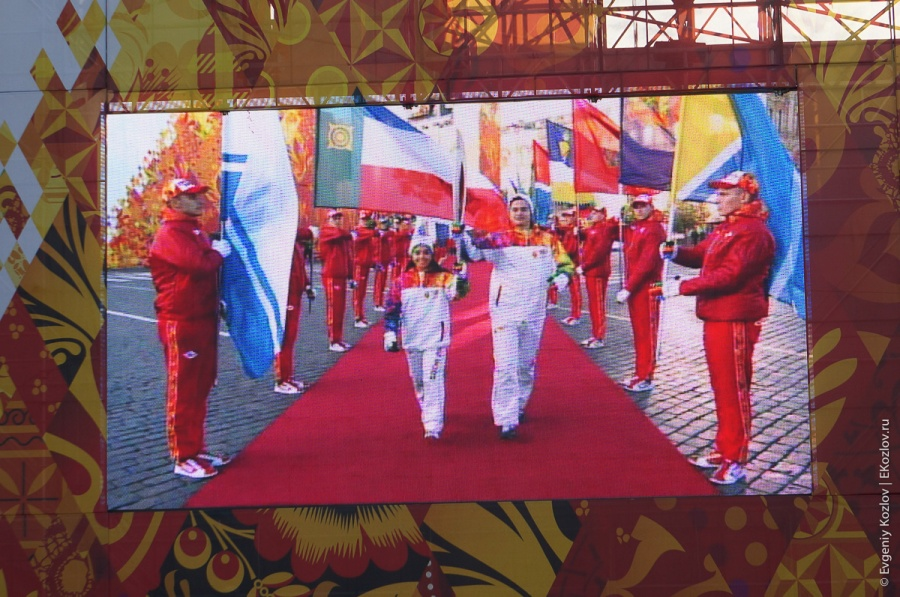 Olympic torch relay Sochi 2014 start in Russia-90