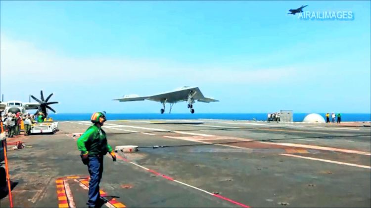 x_47b_first_carrier_landing_10_july_2013_2_450